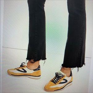 Madewell Demi Boot Jeans - Chewed Hem - size 28